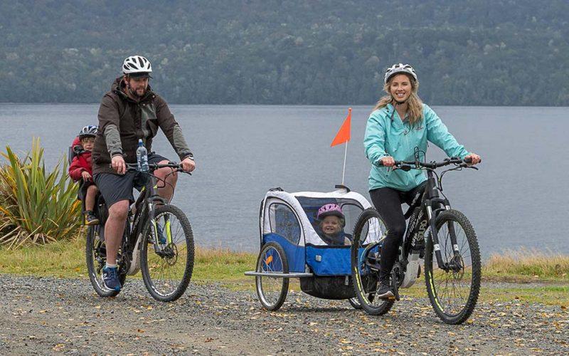 Lakefront bike rental